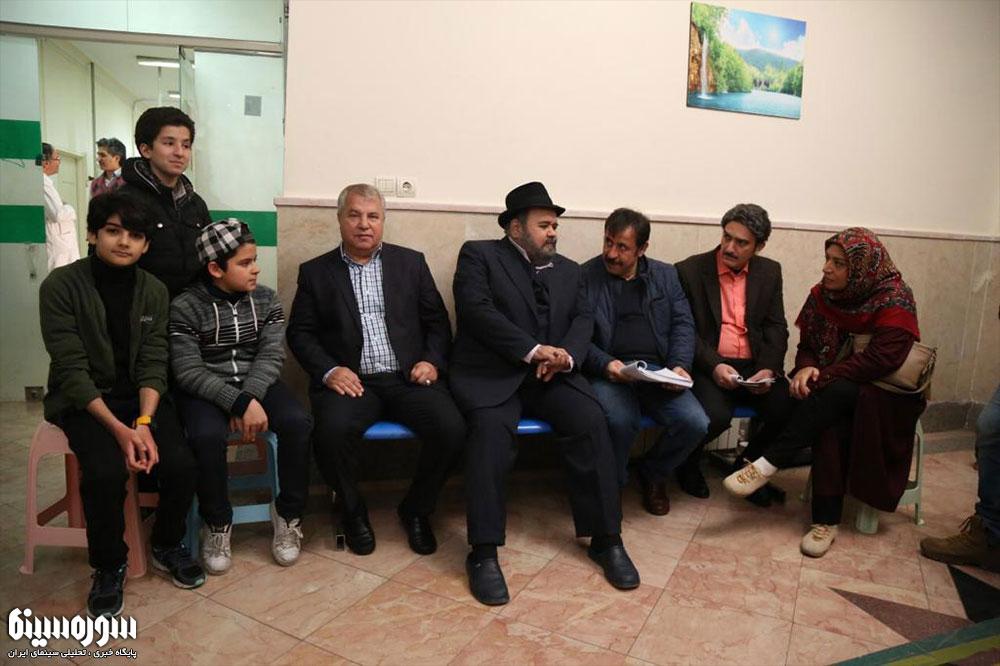 علی پروین از پشت صحنه مجموعه «شش قهرمان و نصفی» بازدید کرد