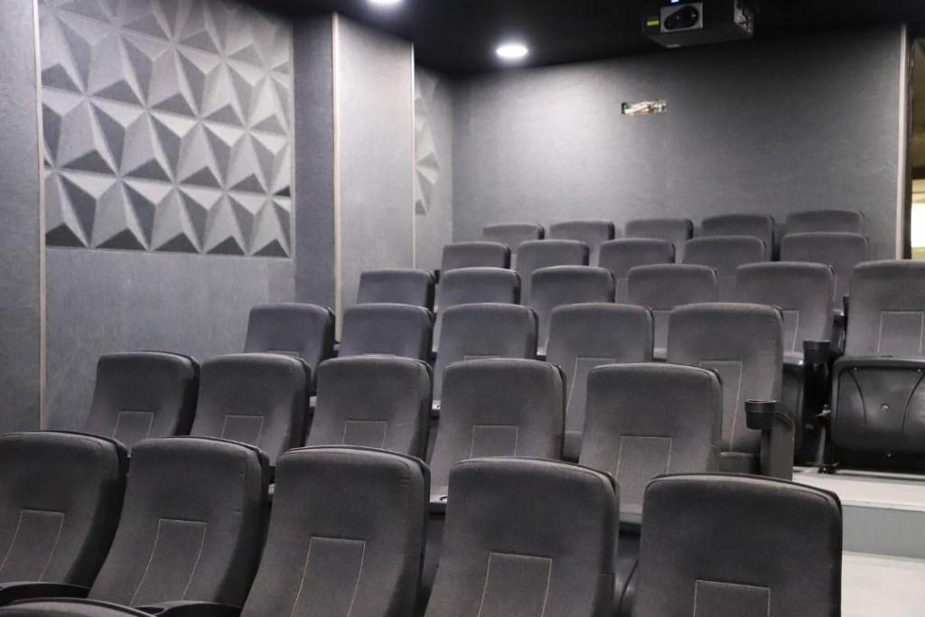 cinema iran uromie (2)